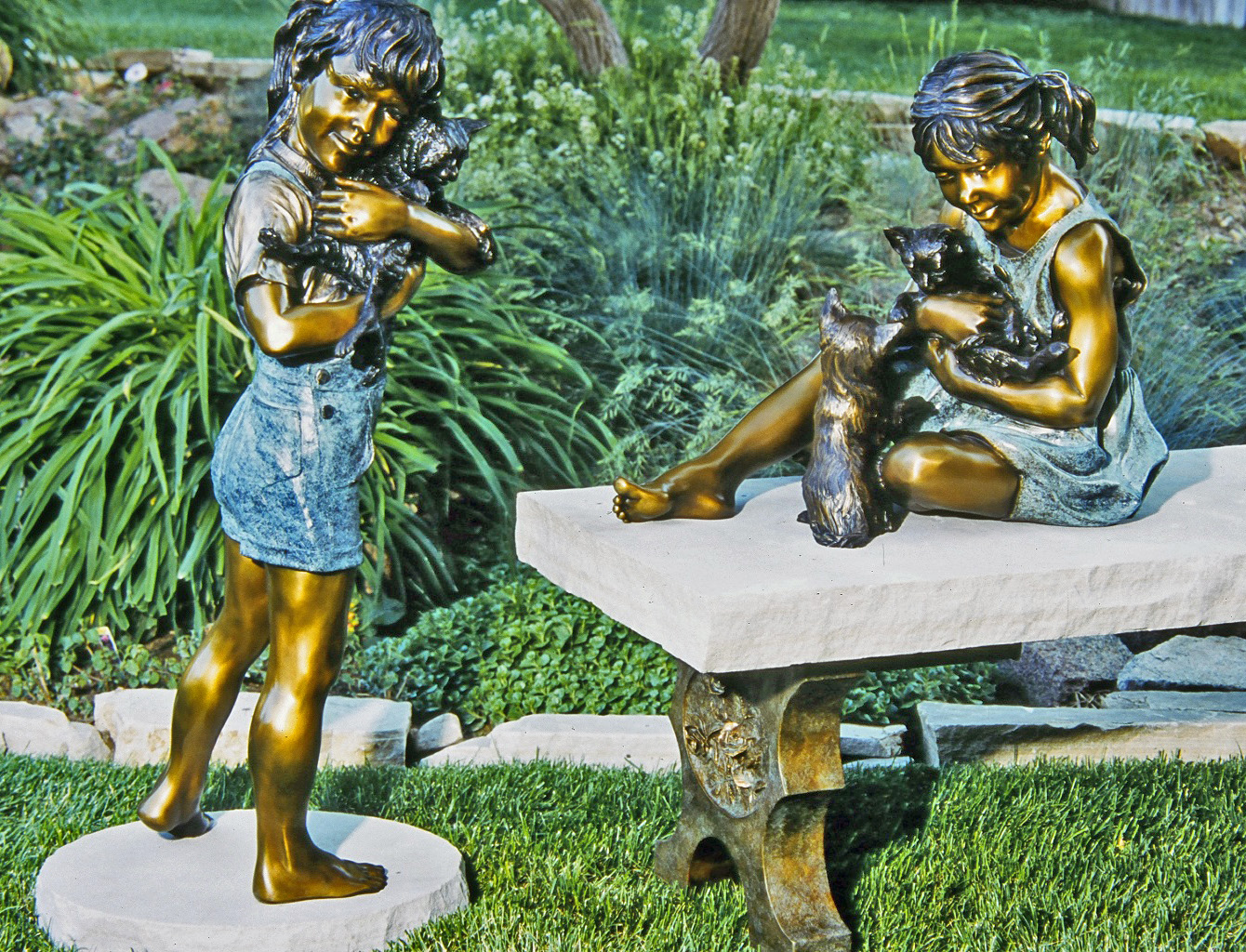 Hugs n Kittens bronze sculpture by Colorado artist Greg Todd